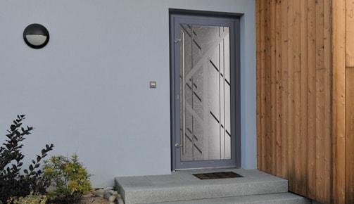 Fenêtre ou porte en bois Tryba : résistance, efficacité et chaleur….