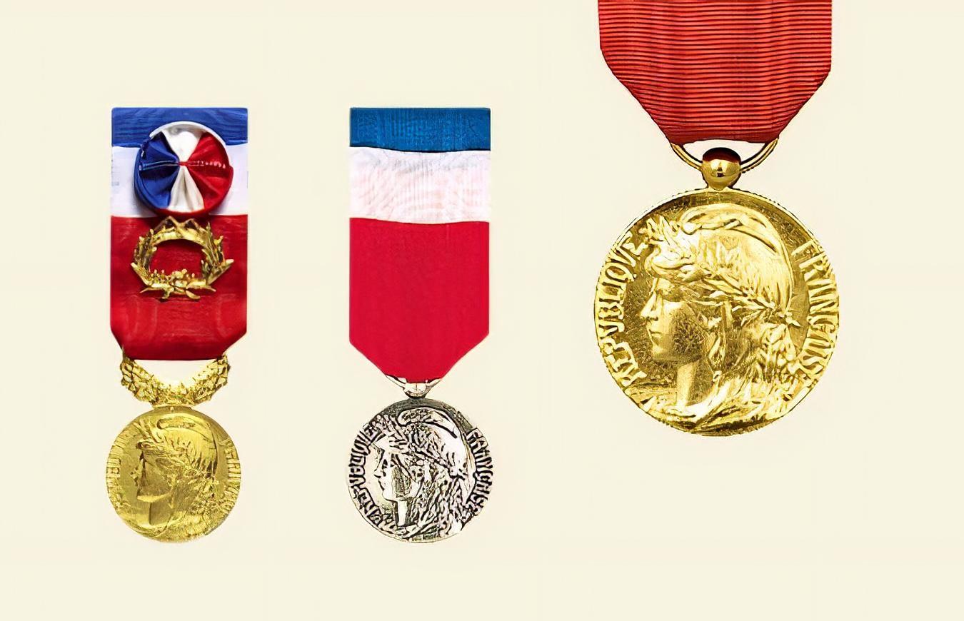 Insignes et médailles - DRAGO PARIS